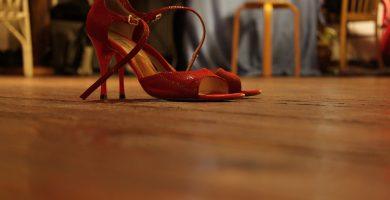 high-heeled-shoes-285661_960_720