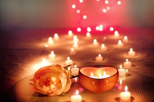 candles-2000135_640